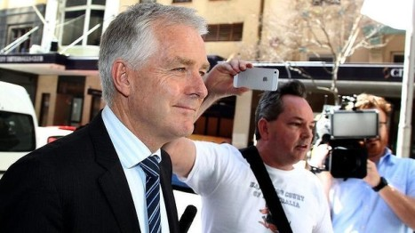 Justice Bernard Murphy and Shane Dowling from the website Kangaroo Court of Australia